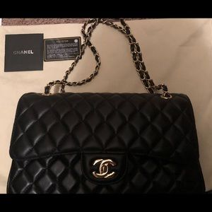 Chanel classic caviar double flap in black